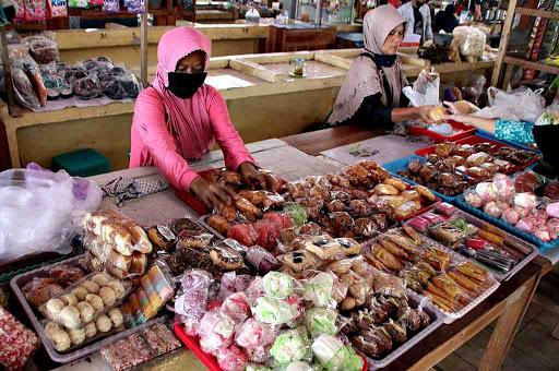 11 Usaha Jualan Makanan yang Laris di Kampung