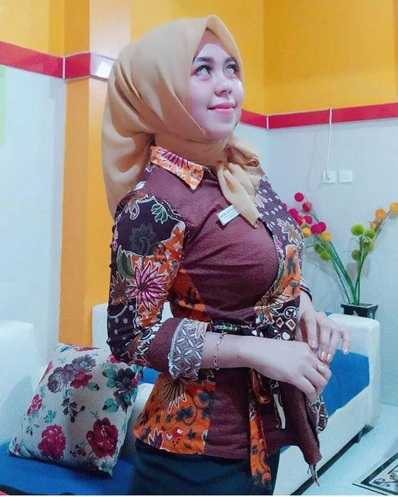Kumpulan Customer Service Bank Cantik, Siap Melayani Nasabah!